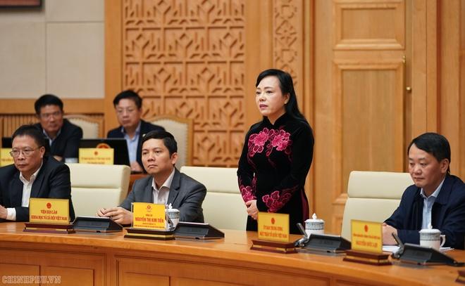 Chinh phu chia tay ba Nguyen Thi Kim Tien hinh anh 2