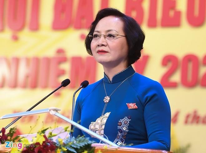 ba Pham Thi Thanh Tra lam Pho ban To chuc Trung uong anh 1