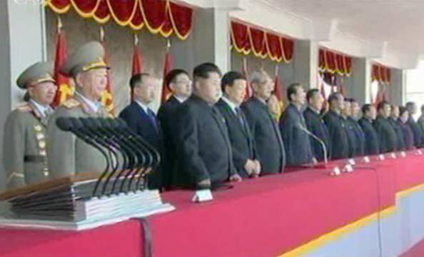 Nguoi Trieu Tien ho vang ten Kim Jong Un hinh anh 4