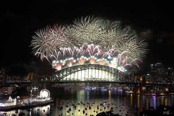 Man phao hoa man nhan mung nam moi 2016 o Sydney hinh anh