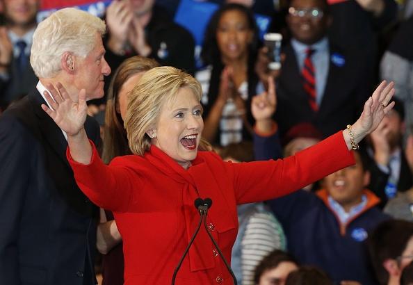 Hillary Clinton gianh chien thang sit sao bau cu so bo Iowa hinh anh 1