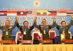 Tu lenh Quoc phong ASEAN ra lap truong chung ve Bien Dong hinh anh