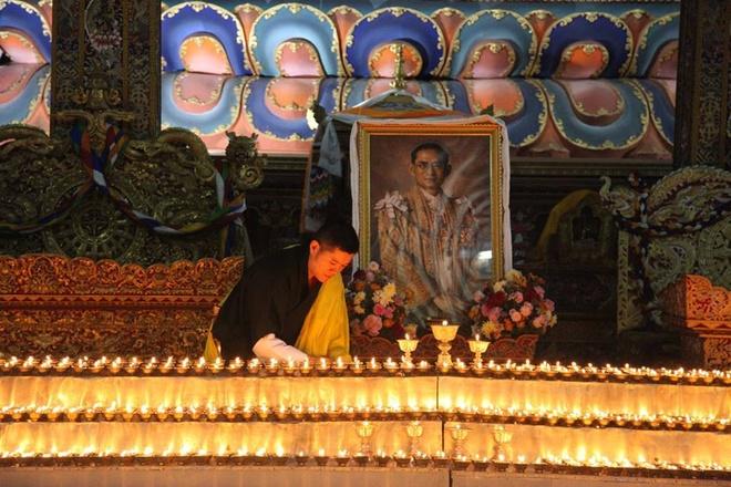 nha vua Thai Lan qua doi anh 15