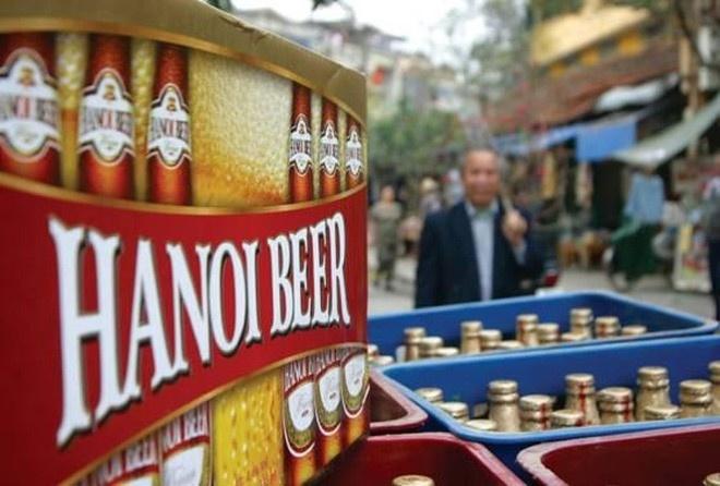 Dan ong Viet dung dau chau A ve tieu thu ruou bia hinh anh