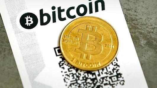 Bitcoin dang tro thanh kenh cat giau tai san hap dan hon vang hinh anh