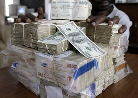 Sieu lam phat, dan Zimbabwe phai dung tien ao, Bitcoin len 13.000 USD hinh anh