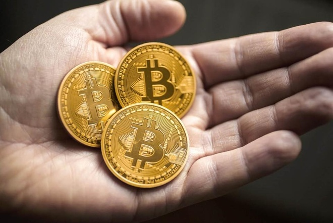 Dong xu Bitcoin, tien luu niem hinh cho hut khach dip sat Tet hinh anh