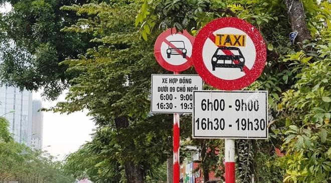 Tai xe Uber, Grab Ha Noi: 'Muon ve nha chac phai xe logo' hinh anh