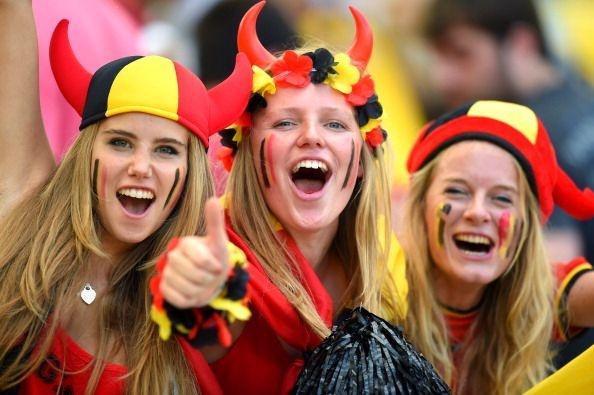 Mua ban quyen World Cup la mon hoi hay khoan lo? hinh anh
