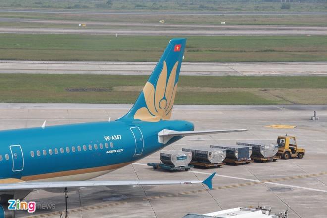 Máy bay lỗi cầu phao thoát hiểm, 40 hành khách bị từ chối bay