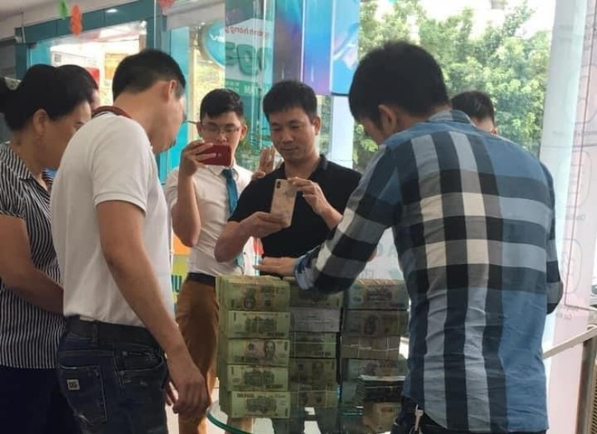 Nhung thuong vu mua ban SIM so dep tien ty on ao tai Viet Nam hinh anh 1