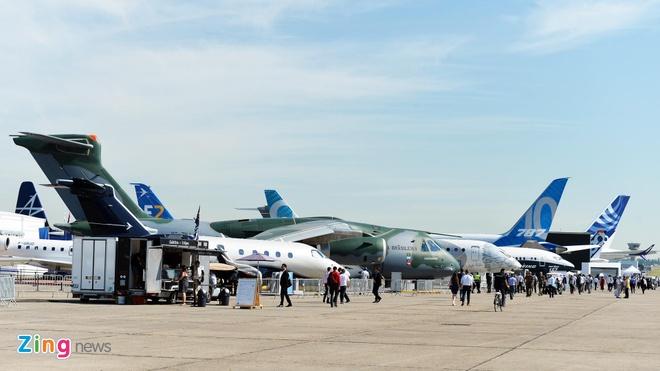 Lần đầu tổ chức triển lãm hàng không tại Việt Nam