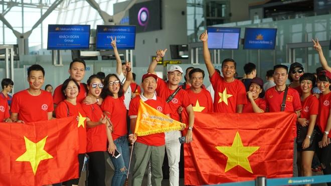 Tour di Philippines xem tran ban ket cua U22 Viet Nam dang chay ve hinh anh 1