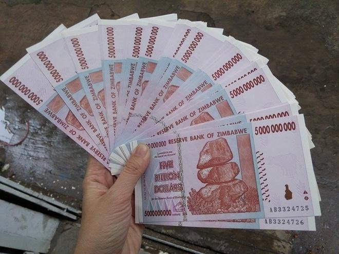 Dola Zimbabwe o Viet Nam: 100.000 ty doi 500.000 dong hinh anh