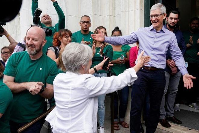 Chi hang ty USD R&D, Apple co dang bi chi trich 'thieu dot pha'? hinh anh 1