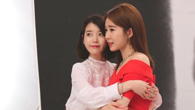 Tinh ban cua IU va Yoo In Na anh 2