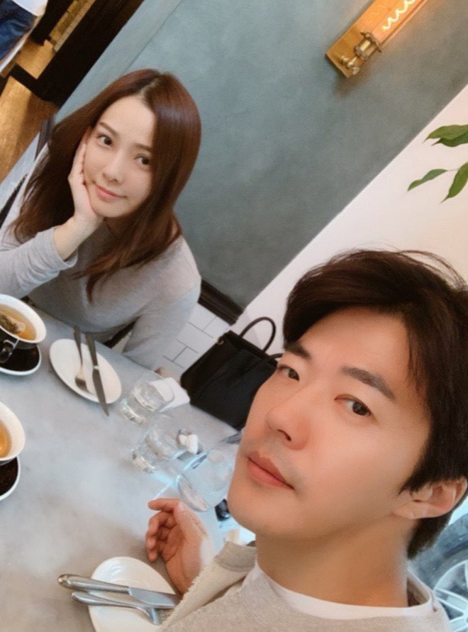 Vo chong Kwon Sang Woo ky niem 12 nam cuoi anh 2
