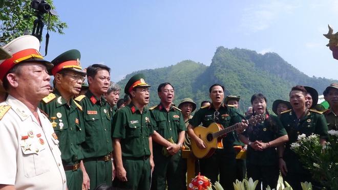 Vi Xuyen: Noi hang nghin liet si chua tim duoc hai cot hinh anh 2