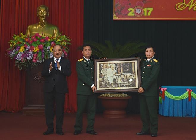 Thu tuong tham Su doan Chien Thang anh 2