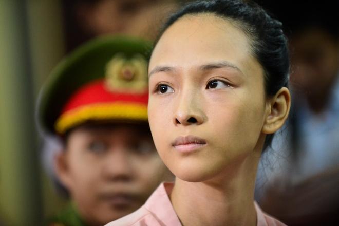 Luat su kien nghi cho hoa hau Phuong Nga tai ngoai hinh anh