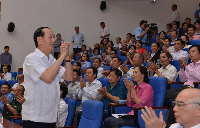 Chu tich nuoc Tran Dai Quang tiep xuc cu tri TP.HCM hinh anh 2