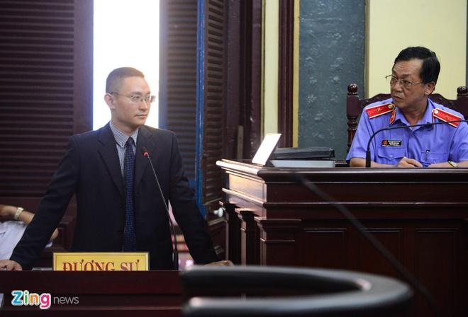 Nguyen Tong giam doc VN Pharma bat khoc xin duoc tai ngoai hinh anh 12