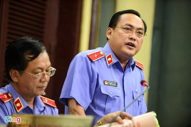 Nguyen Tong giam doc VN Pharma bat khoc xin duoc tai ngoai hinh anh 15