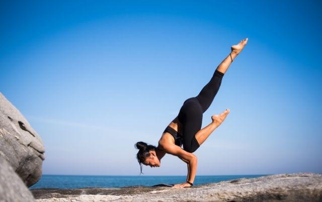 Ket hop du lich va yoga, dung quen 5 noi tinh lang day quyen ru nay hinh anh