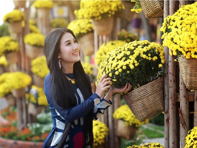 Duong hoa Nguyen Hue o TP.HCM to chuc lan dau tien vao nam nao? hinh anh