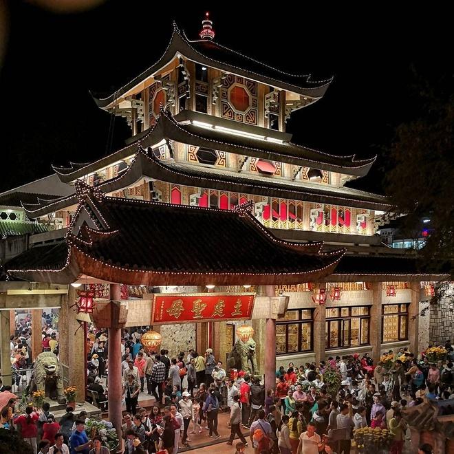 Mieu Ba Chua Xu nui Sam hut khach hanh huong dip Tet thuoc tinh nao? hinh anh 1