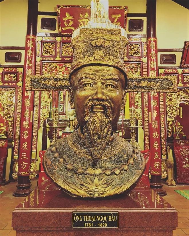 Mieu Ba Chua Xu nui Sam hut khach hanh huong dip Tet thuoc tinh nao? hinh anh 4