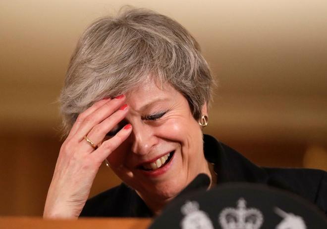 Dang sau hang loat la don tu chuc cua cac bo truong Anh vi Brexit hinh anh