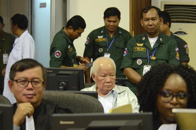 Hai cuu thu linh Khmer Do bi tuyen y an chung than hinh anh 1