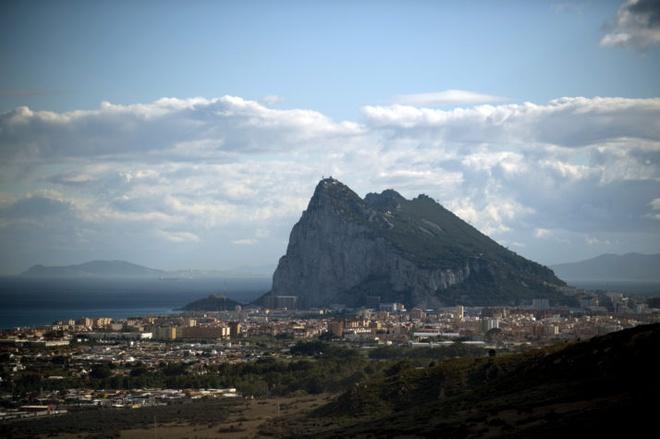 Tay Ban Nha cao buoc Anh phan boi trong van de Gibraltar hinh anh