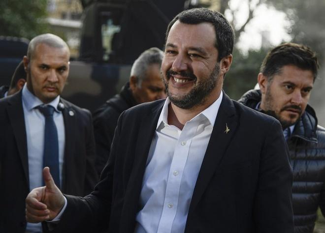 Ông trùm tội phạm khét tiếng Italy bị bắt sau 15 năm lẩn trốn