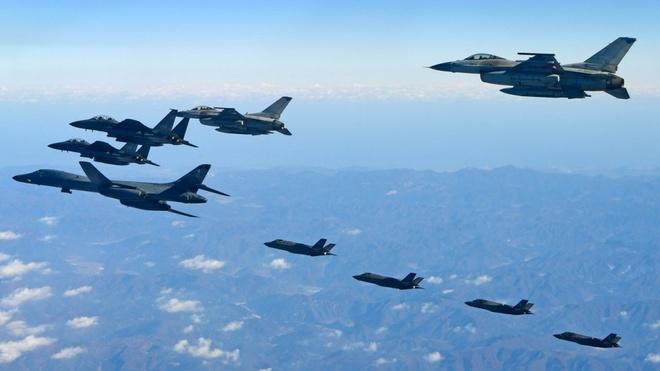 Lo 'NATO chau A', Trung Quoc lien tuc bay gan khong phan Han Quoc? hinh anh