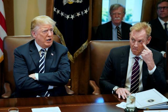 Buc minh vi don tu chuc, TT Trump day Bo truong Mattis 'ra di' som hinh anh 2