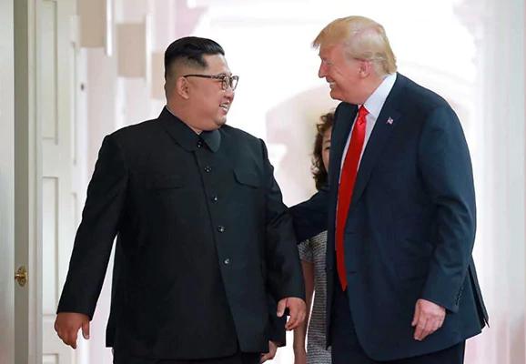 Tu Singapore den HN: Duong gap ghenh sau cuoc gap Trump - Kim lan dau hinh anh