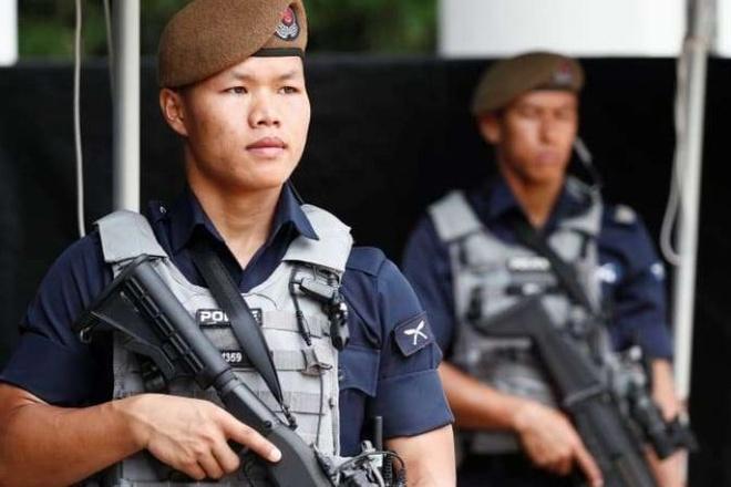 Dac nhiem Gurkha tinh nhue tung bao ve hoi nghi Trump-Kim o Singapore hinh anh