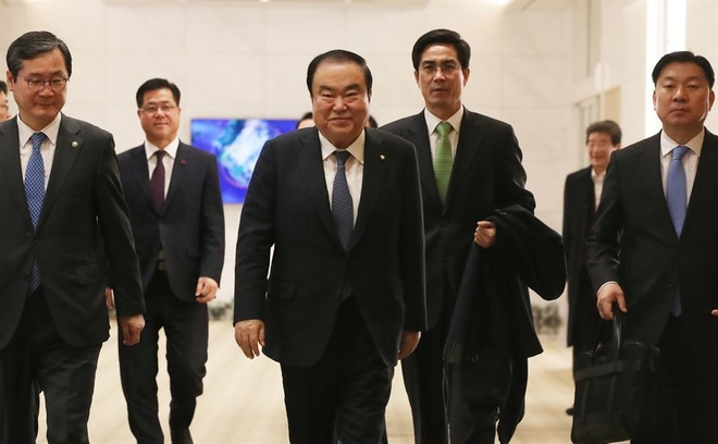 Cuoc gap Trump - Kim tai Ha Noi 'dinh doat so phan Han Quoc' hinh anh 1