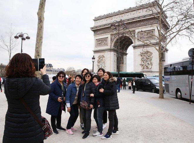 'My nhan moc tui' - su quan TQ canh bao du khach toi Paris hinh anh 1