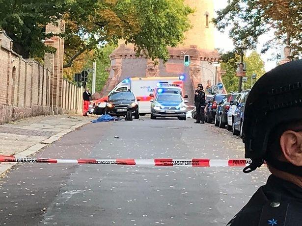 Halle: Xả súng tại thánh đường của người Do Thái ở Đức, nhiều người chết