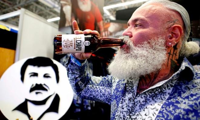 El Chapo ngoi tu, gia dinh van thu dam tien tu bia va quan ao hinh anh 1 5472.jpg