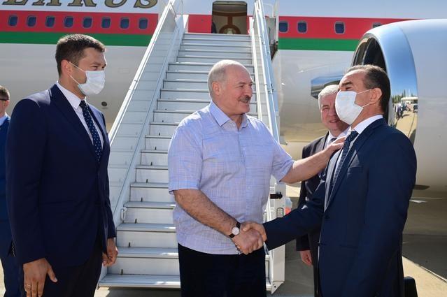 Nga cho Belarus vay 1, 5 ty USD anh 1