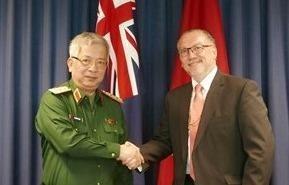 Chang duong 20 nam hop tac quoc phong Viet Nam – Australia hinh anh