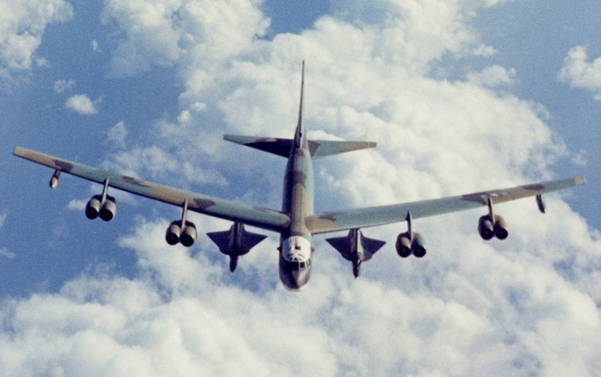 My muon nang cap B-52 de mang duoc 'me cua cac loai bom' hinh anh