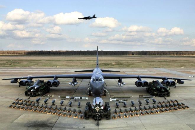 My muon nang cap B-52 de mang duoc 'me cua cac loai bom' hinh anh 1