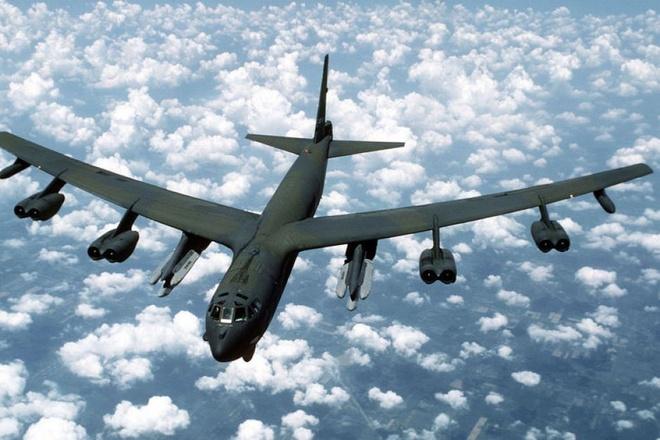 B-52 tuan tra Bien Dong va Hoa Dong, My gui thong diep den Trung Quoc hinh anh