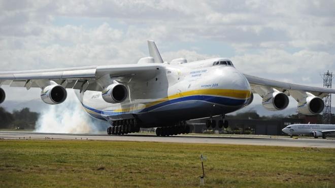 Antonov An-225, ga khong lo lo hen voi bau troi trong kho o Ukraine hinh anh