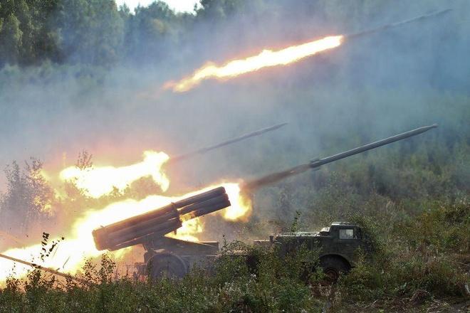 Rocket phong loat BM-27 cua Nga huy diet muc tieu hinh anh